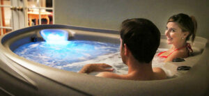 Couple in a hot tub | Pool and Spa Superstore Inc.